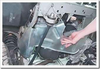 как снять брызговик двигателя с ваз 2114