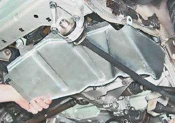 Как снять и установить брызговик двигателя на ВАЗ 2114