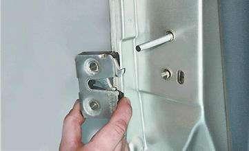 Как заменить наружную часть замка на передней двери