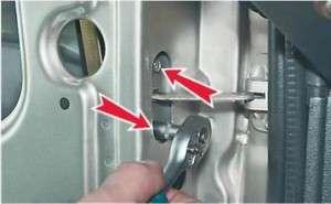 как поменять ограничитель открывания двери на четырке