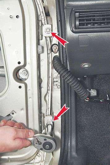 Как снять и установить переднюю дверь на ВАЗ 2114