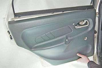 Как снять и установить обивку задней двери ВАЗ 2114