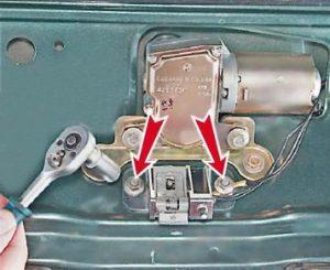 замена замка двери багажного отделения