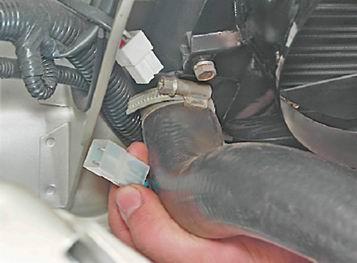 как снять и установить электровентилятор на ваз 2114