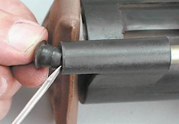Как снять и установить топливный модуль двигателя 2111 (1,5i)
