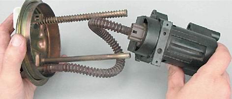 Как заменить бензонасос на ВАЗ 2114 с двигателем 1,5i