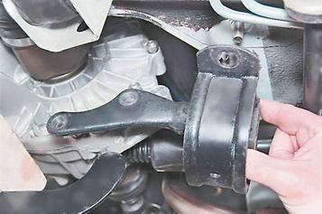 Как снять заднюю опору двигателя на ваз 2114